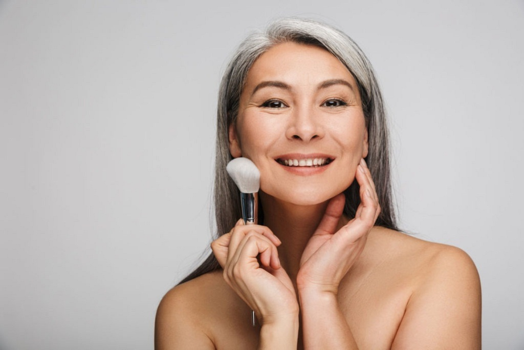 Issues Faced by Mature Skin During Makeup